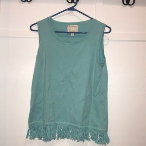 MOVING SALE! EUC Sail to Sable Top, Size S